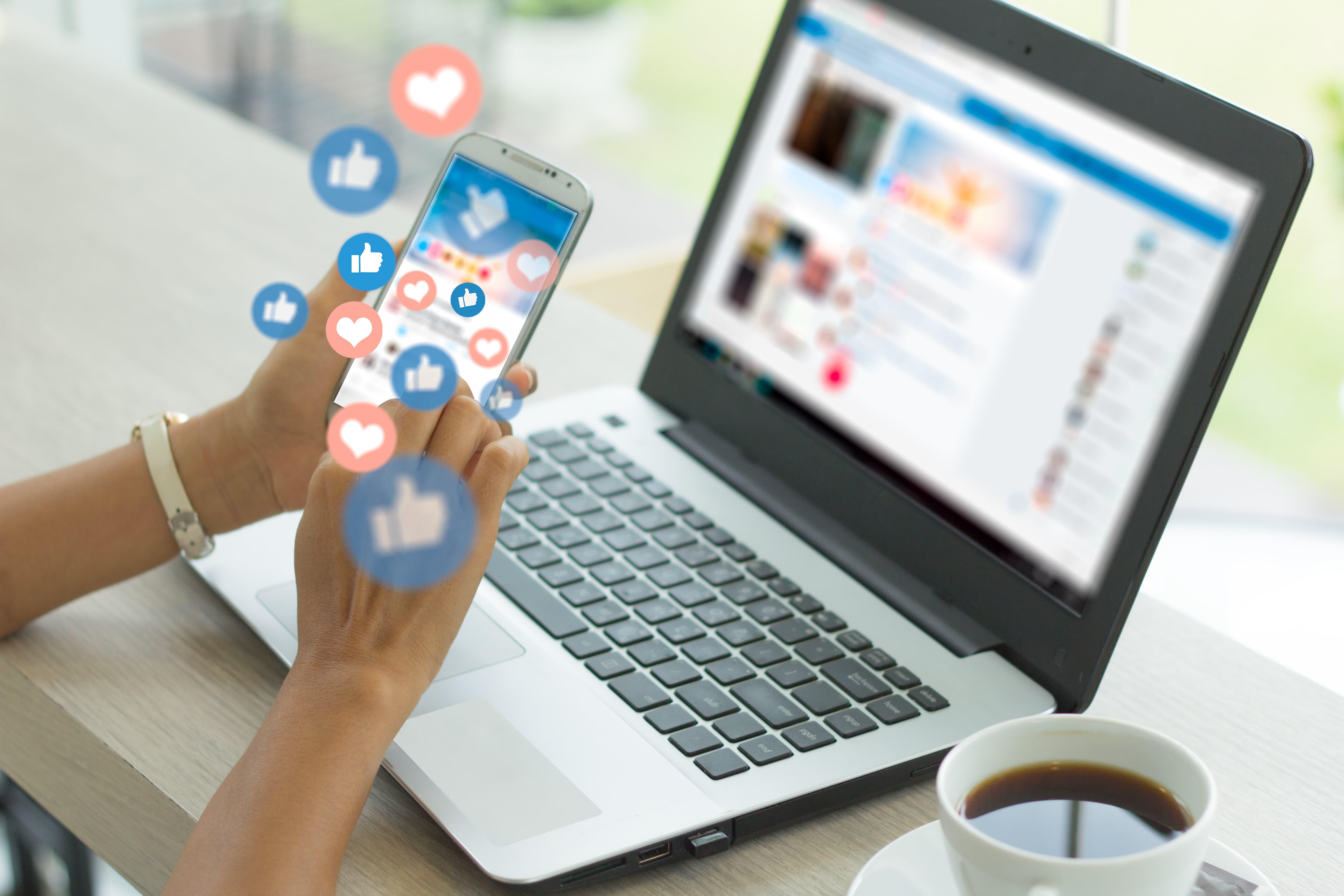 communication sur les médias sociaux